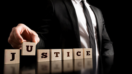 עורך דין תקשורת